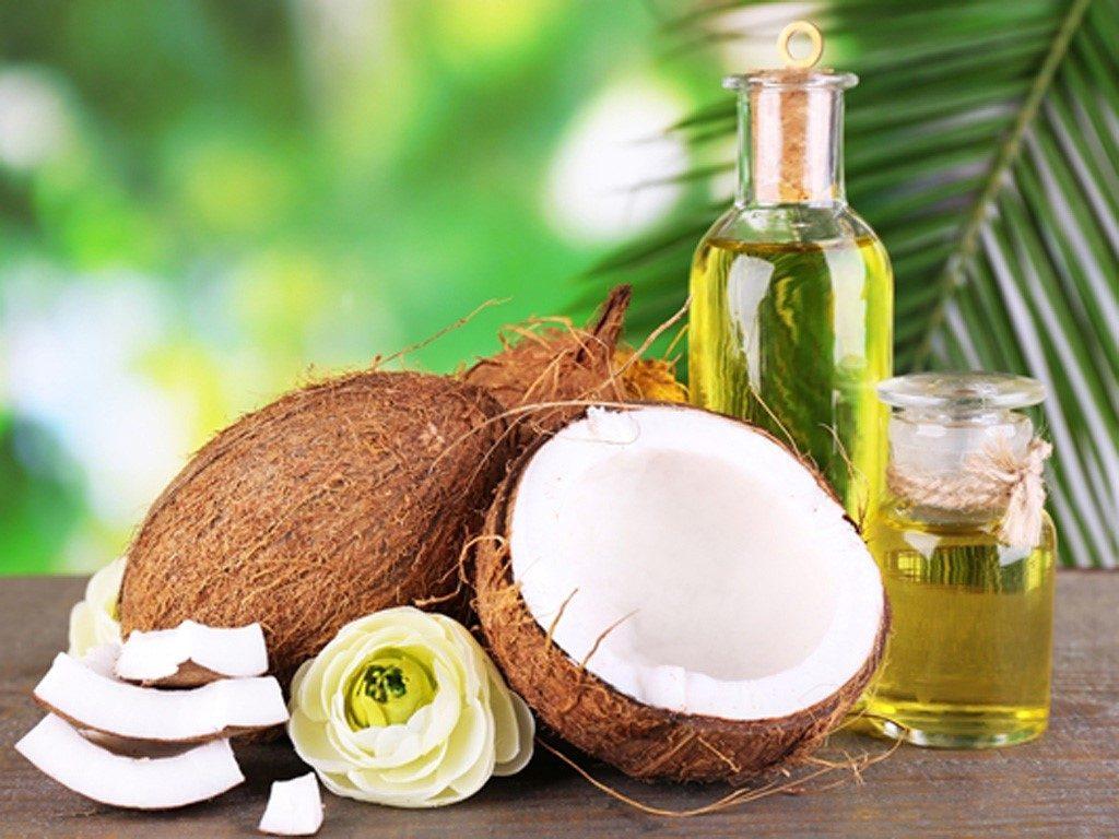 cách trị mụn và thâm bằng dầu dừa